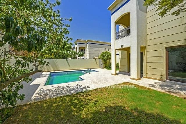 2 Compound | Private garden and swimming pool