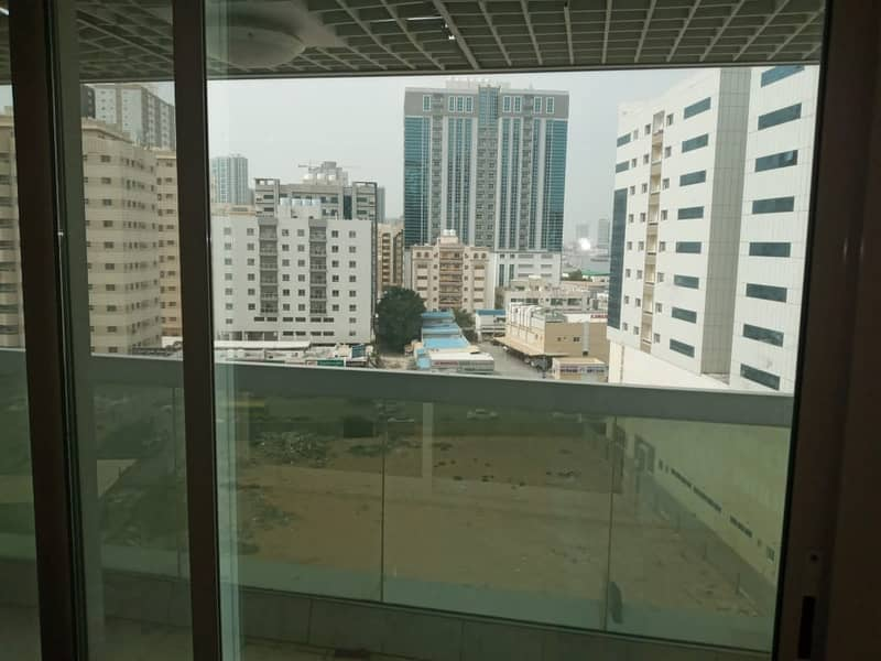 A room and a hall in the Pearl Towers at a price of 205 thousand on the creek