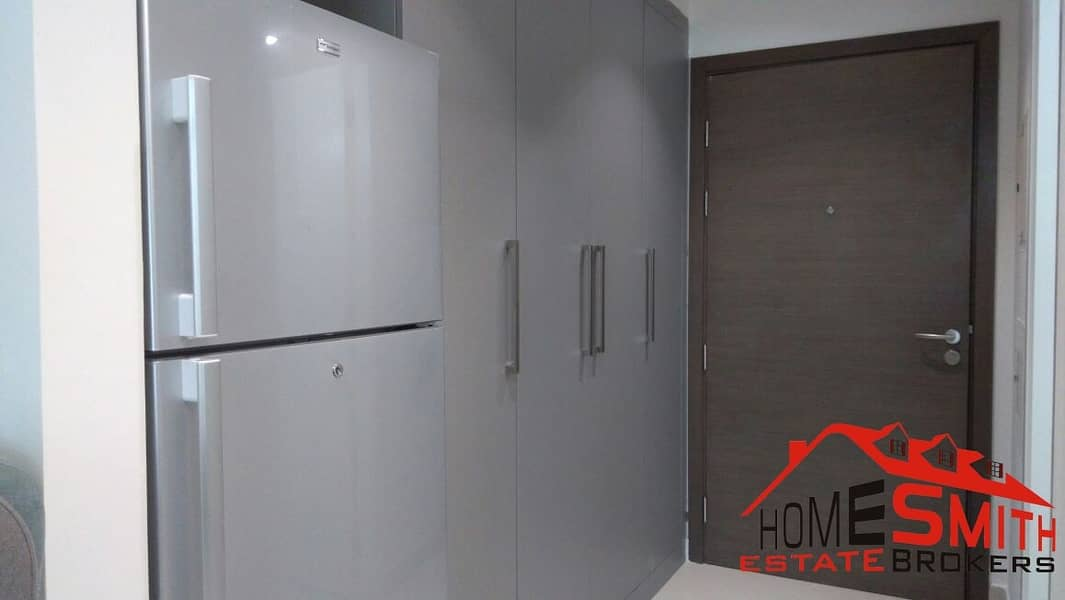 8 Fully furnished Studio Free Chiller Vacant