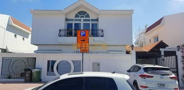 5 Bedroom Villa for Rent in Umm Suqeim, Dubai - Stunning 5BR  Commercial Villa  in Al Wasl Road
