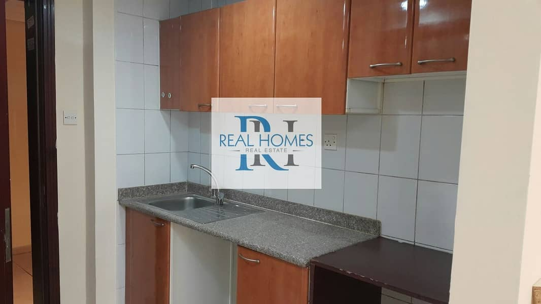 2 Studio with Balcony! Monthly 2000! Yearly Contract
