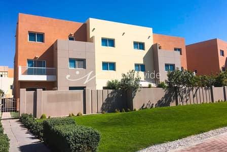 3 Bedroom Villa for Sale in Al Reef, Abu Dhabi - Sophisticated Single Row 3 BR Contemporary Villa In Al Reef