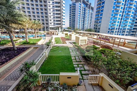 2 Bedroom Townhouse for Rent in Palm Jumeirah, Dubai - Huge Townhouse   2BR + Study   Ready To Move in