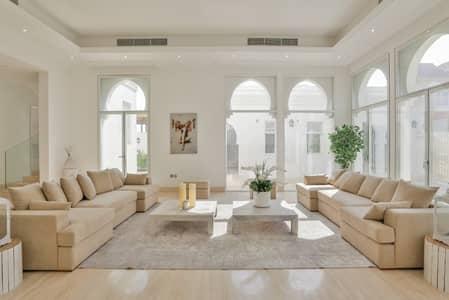 فیلا 5 غرف نوم للايجار في جميرا، دبي - Independent