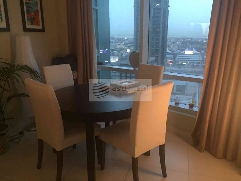 2 Spacious 1BR with Balcony   Vacant on Transfer