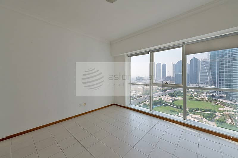10 Vacant Unit | Spacious 2 Beds | Lake and Park view