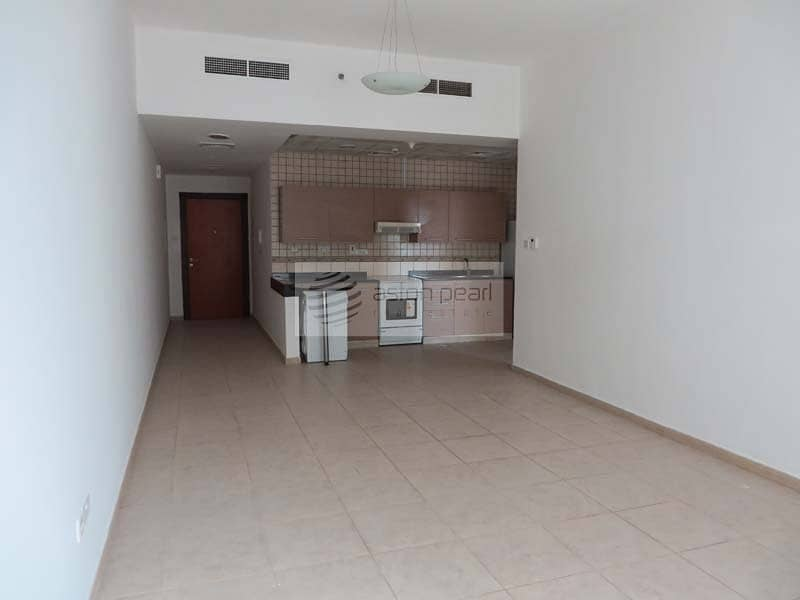 Well Maintained 1BR with Kitchen Appliances