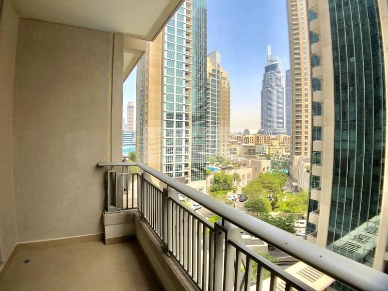 2 1BR | Stunning Lake and Address View | Vacant Unit