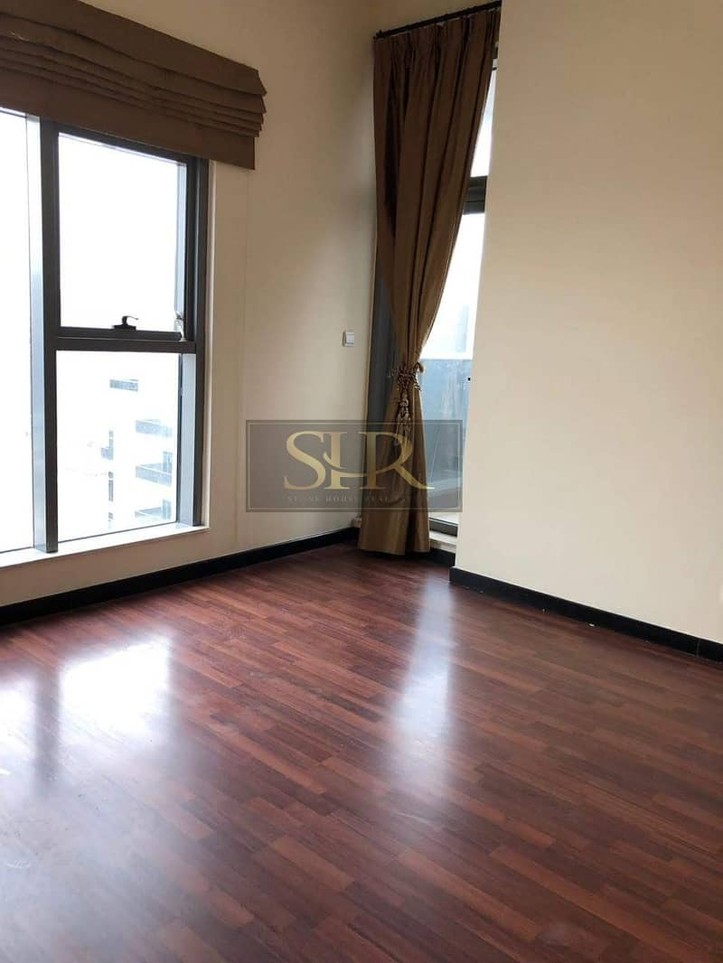 11 Breath-taking 3 Bed Apt in Magnificent Condition in Green Lake Tower JLT