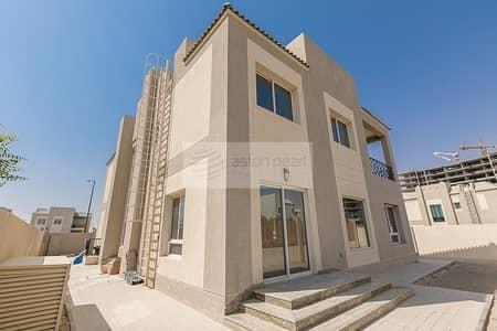 6 Bedroom Villa for Rent in Dubailand, Dubai - Huge 6 Bed Villa | Available Now | Living Legends