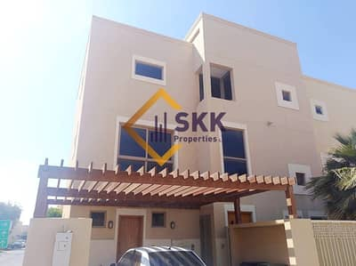 4 Bedroom Townhouse for Rent in Al Raha Gardens, Abu Dhabi - Beautiful and Bright 4BR Townhouse with Garden