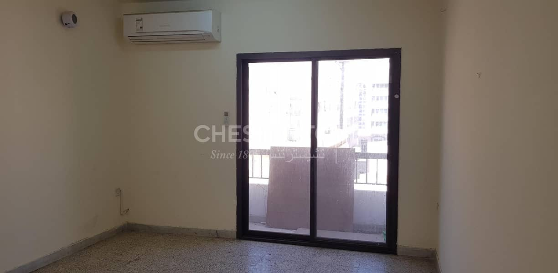 Nice Apartment IN Fujrah Restaurant Building Best price
