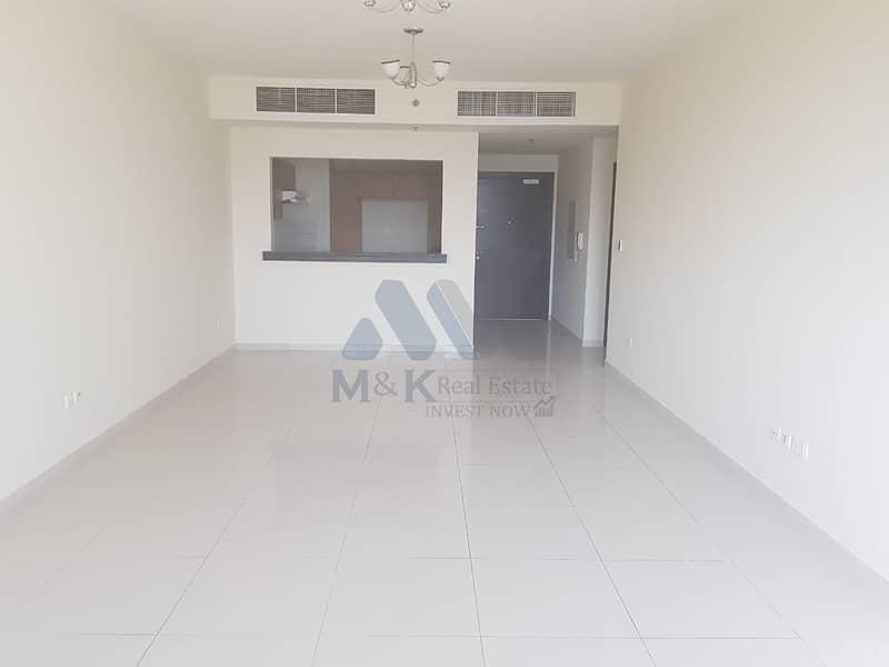 شقة في مساکن الفرجان الفرجان 3 غرف 95000 درهم - 4510896