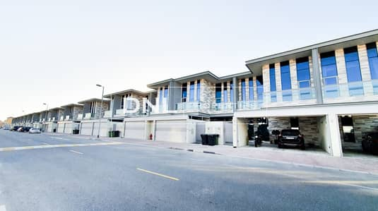 4 Bedroom Villa for Rent in Jumeirah, Dubai - 4BR+M