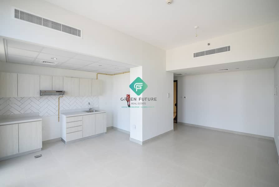 1 Impeccable  Apartment|Street View|Ready to Move In
