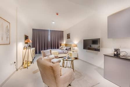 طابق سكني 11 غرف نوم للبيع في قرية جميرا الدائرية، دبي - living area