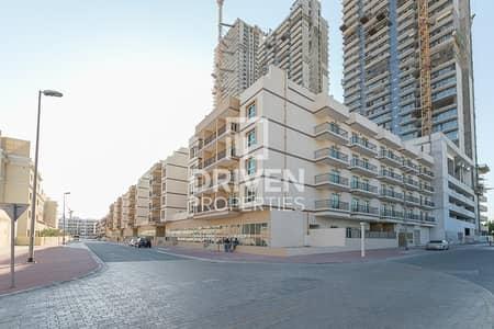 مجمع سكني  للايجار في قرية جميرا الدائرية، دبي - Bulk rent in new building