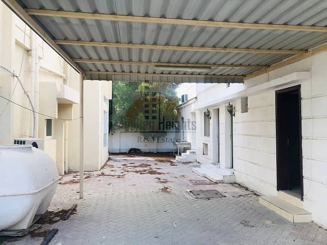 11 Spacious 6br+m Independent Villa in Jumeirah 2 for Rent