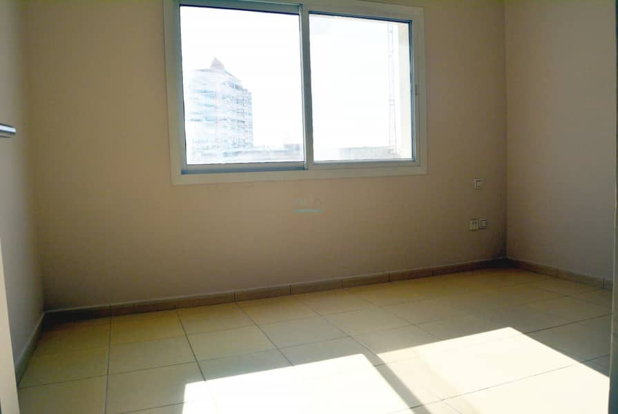 2 Call Now & Get upto 3% Discount - 2 Bed Room Vacant - Airy Layout Big Unit