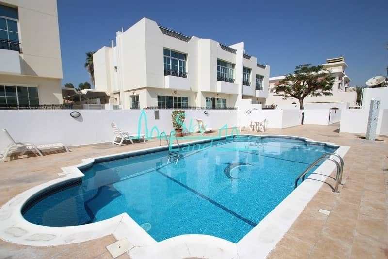 Very spacious 4 bed with garden and shared pool Jumeirah 3