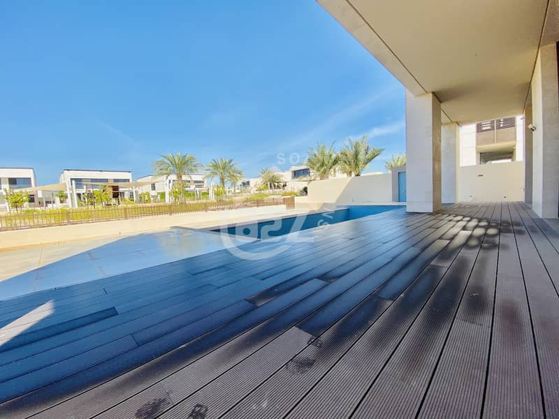 2 Vacant exquisite 7+1BHK villa with private pool