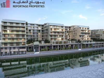 3 Bedroom Flat for Sale in Al Raha Beach, Abu Dhabi - SPECTACULAR LOFT WITH A ROOF AND A VIEW OF THE WATER CANAL IN AL RAHA LOFTS 2