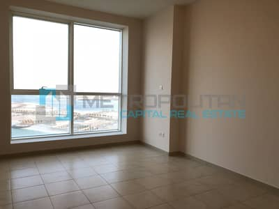 4 Bedroom Apartment for Rent in Al Khalidiyah, Abu Dhabi - Sea View 4 Bedrooms Apartment with Balcony