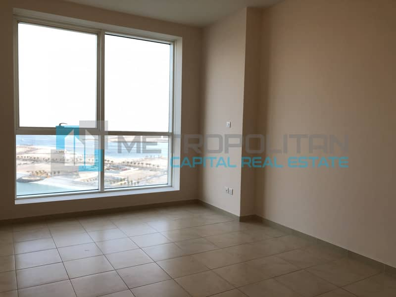 Sea View 4 Bedrooms Apartment with Balcony