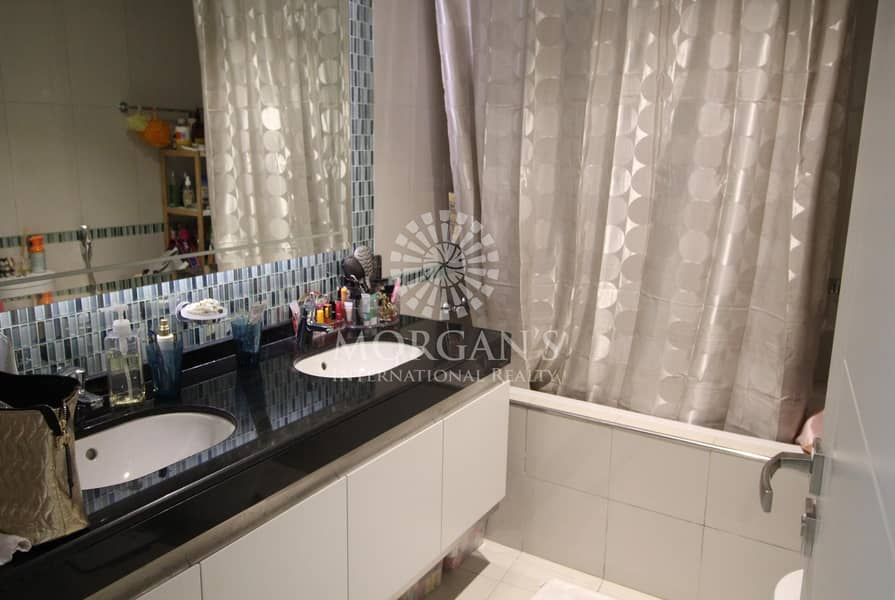 10 Stunning water view | 1BR Tenanted till Sept