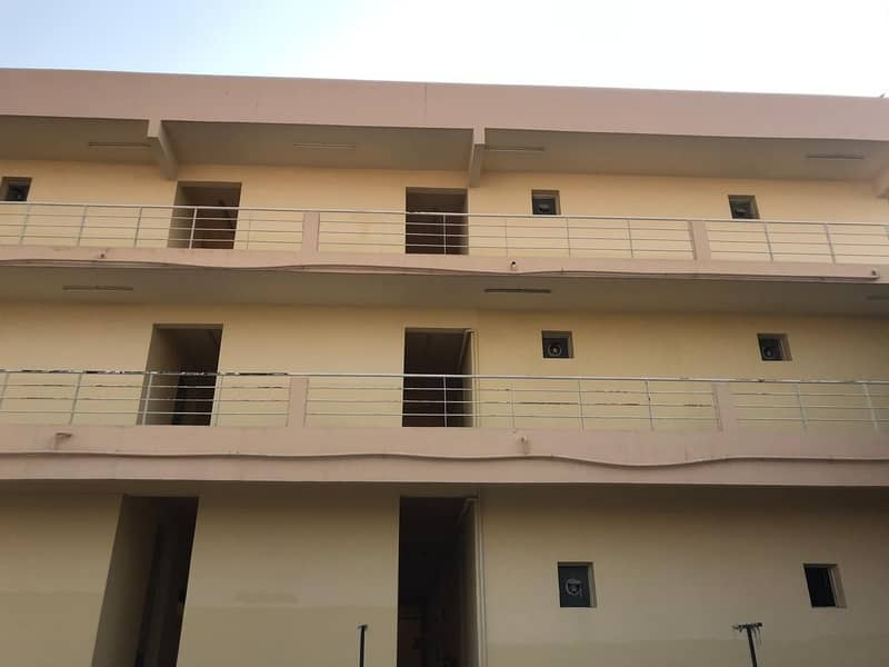 2 100 Rooms - 6 People Capacity - 2300 AED