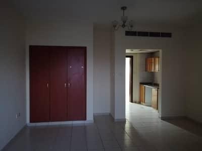 استوديو  للايجار في المدينة العالمية، دبي - شقة في الحي الصيني المدينة العالمية 22000 درهم - 4513889