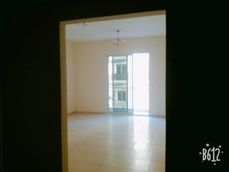 شقة في الحي الإماراتي المدينة العالمية 21999 درهم - 4513944