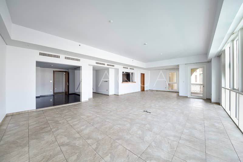 Immaculate Type A Unit | Mid Floor | Sea Views