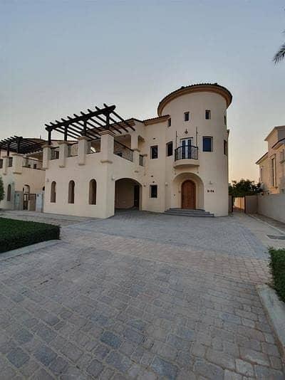 6 Bedroom Villa for Sale in DAMAC Hills (Akoya by DAMAC), Dubai - GOLF FACING HUGE 6 BEDROOM VILLA LUXURY LIFE STYLE IN DAMAC HILLS