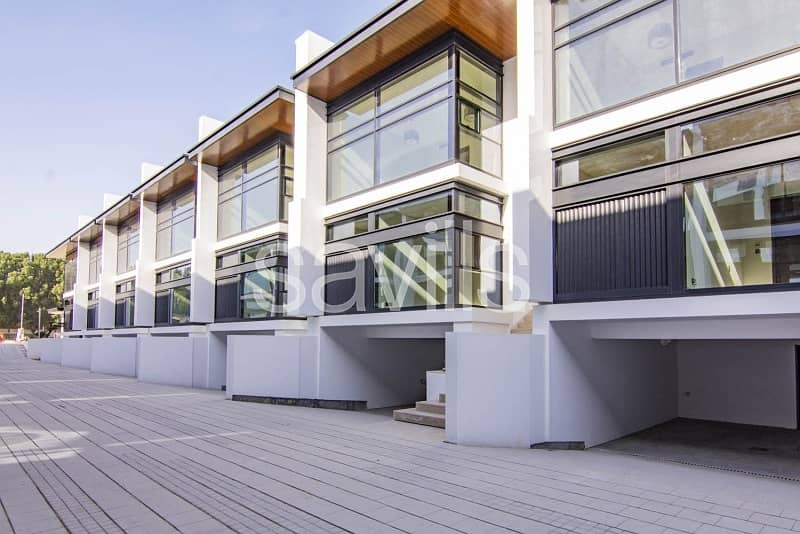 A Stunning New Complex of High Quality Townhouses