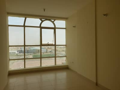 Hot offer 3 BHK Apt w/ wardrobes and 4 payments