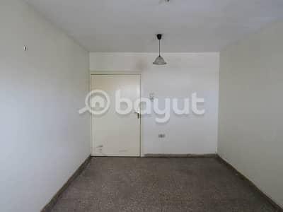 شقة في المنطقة الصناعية 5 المنطقة الصناعية 1 غرف 15000 درهم - 4515093