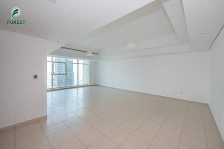 2 Bedroom Flat for Sale in Jumeirah Lake Towers (JLT), Dubai - Spacious 2BHK Plus Maids with Lake View
