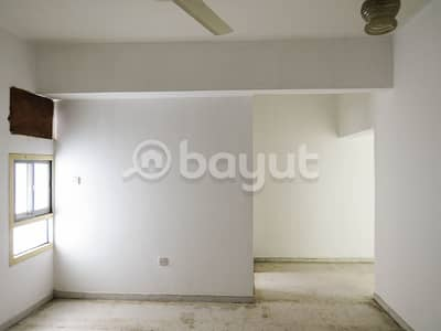شقة في المنطقة الصناعية 5 المنطقة الصناعية 1 غرف 17000 درهم - 4515143