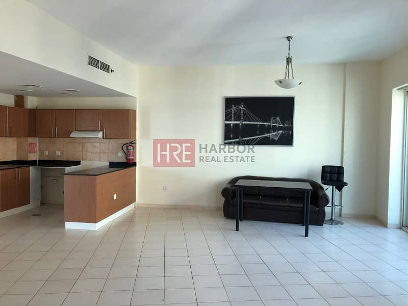 2 Amazing Deal! 2BR Apt for Rent with Parking Slot
