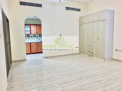 استوديو  للايجار في مدينة خليفة أ، أبوظبي - Huge Amazing studio with balcony 1 st tenant in khalifa A