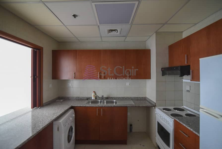 2 Hot Deal ! Middle Floor / Media City View