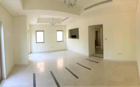 شقة 11 غرف نوم للبيع في جوهر، أم القيوين - test property