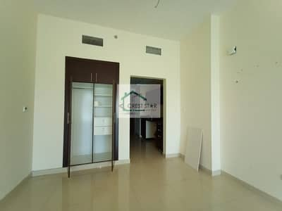 Spacious unfurnished studio apartment for immediate occupation