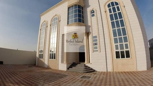 2 Bedroom Flat for Rent in Al Shamkha South, Abu Dhabi - Ready to Move Brand new 2 BR + M | First Floor