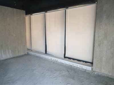 طابق تجاري  للايجار في شارع الكورنيش، أبوظبي - من المالك مباشرة بدون عمولة ، معرض مساحة 350 متر مربع على كورنيش أبوظبي