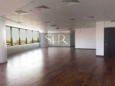 Office for Sale in Jumeirah Lake Towers (JLT), Dubai - Huge Fitted Office | Gold Tower | Partition Option