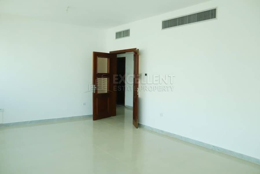 2 Highly Desirable 3BH Apt with Balcony