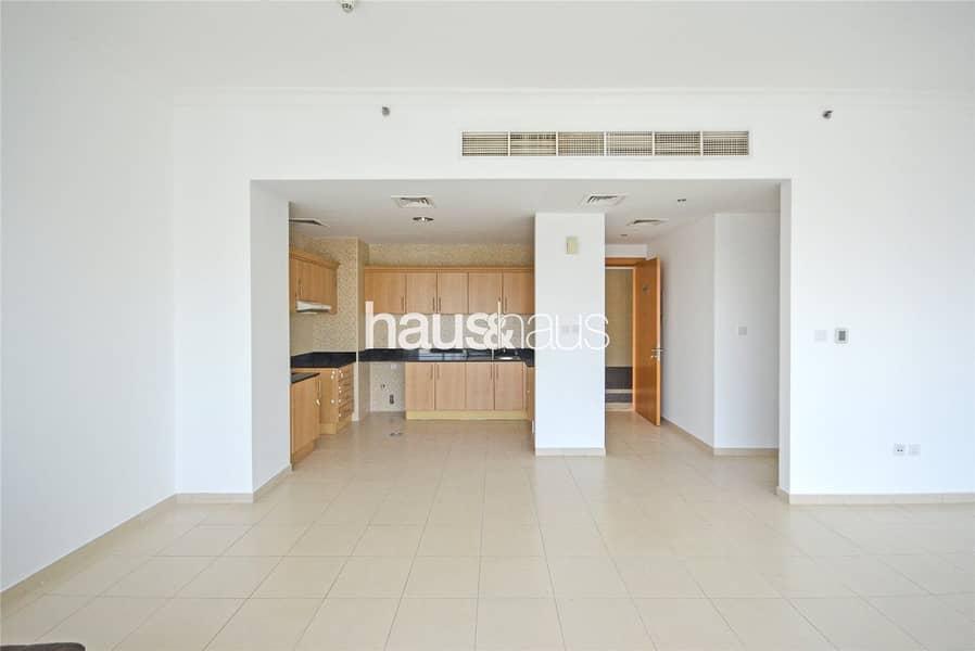 2 2 Bed| Mayfair Residency| Lake View| 3 Car Parking