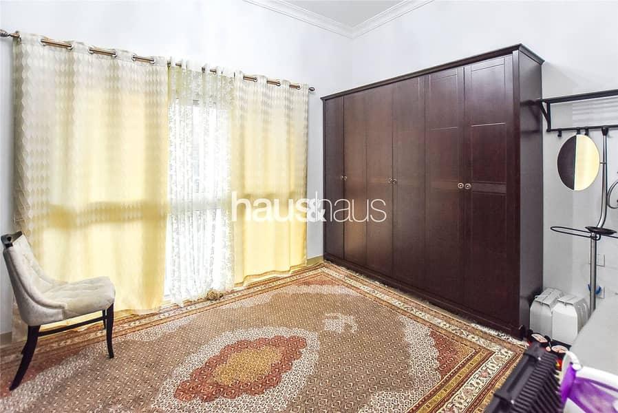 10 Largest 4 bedroom on a large corner plot
